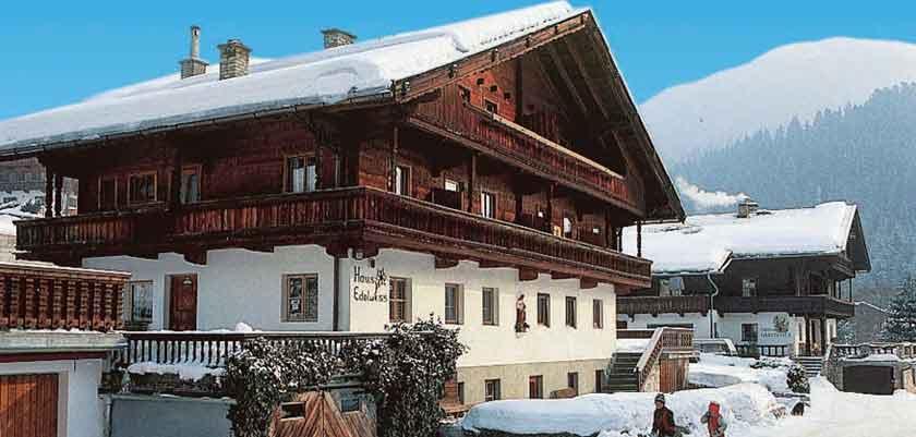 Austria_Alpbach_haus_edelweiss_apartments_exterior.jpg